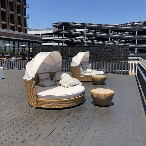 リーベルホテルのテラス席のイス